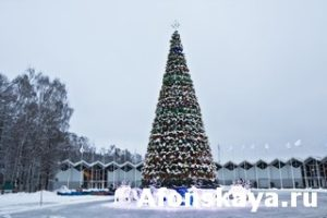 Christmas tree and electric deers, Moscow