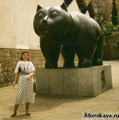 Испания Барселона памятник коту