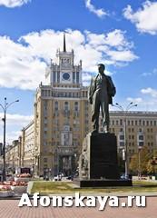 Москва памятник Маяковскому