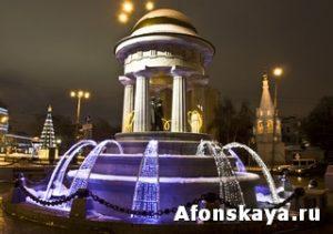 Москва фонтан Пушкин Натали у Никитских ворот