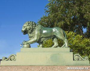 памятник лев Санкт-Петербург