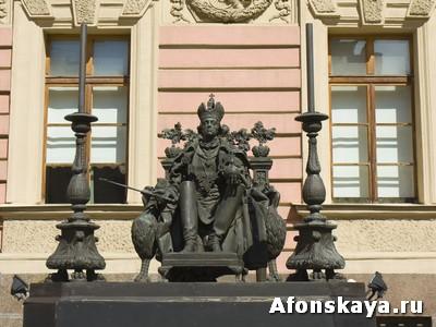 памятник Павлу Первому, Санкт-Петербург