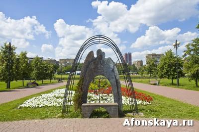 скамейка любви Москва