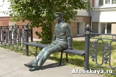 памятник студенту Москва