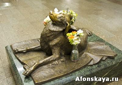 памятник сочувствие - памятник погибшей бродячей собаке Москва