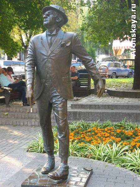 памятник паниковскому киев