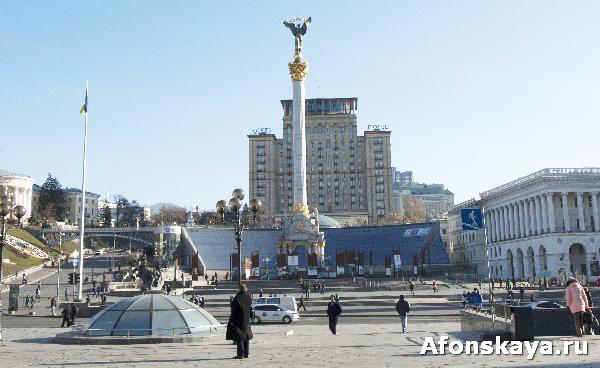 монумент независимости украины киев