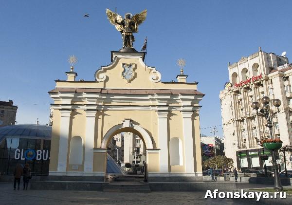 памятник архангелу михаилу киев