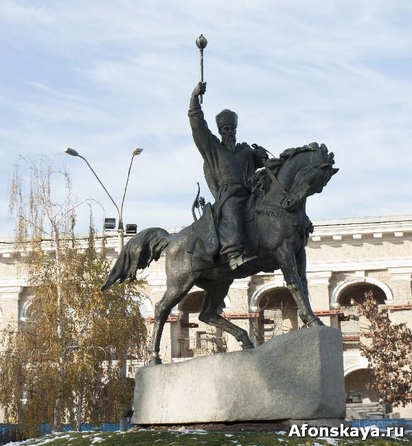 памятник гетману сагайдачному киев